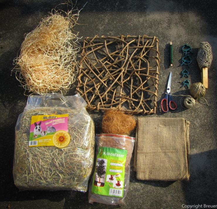 Nistmaterial_Holzspan, Naturgitter, Kokosfaser, trockene Naturgräser, Küchengarn, Schere, Befestigung