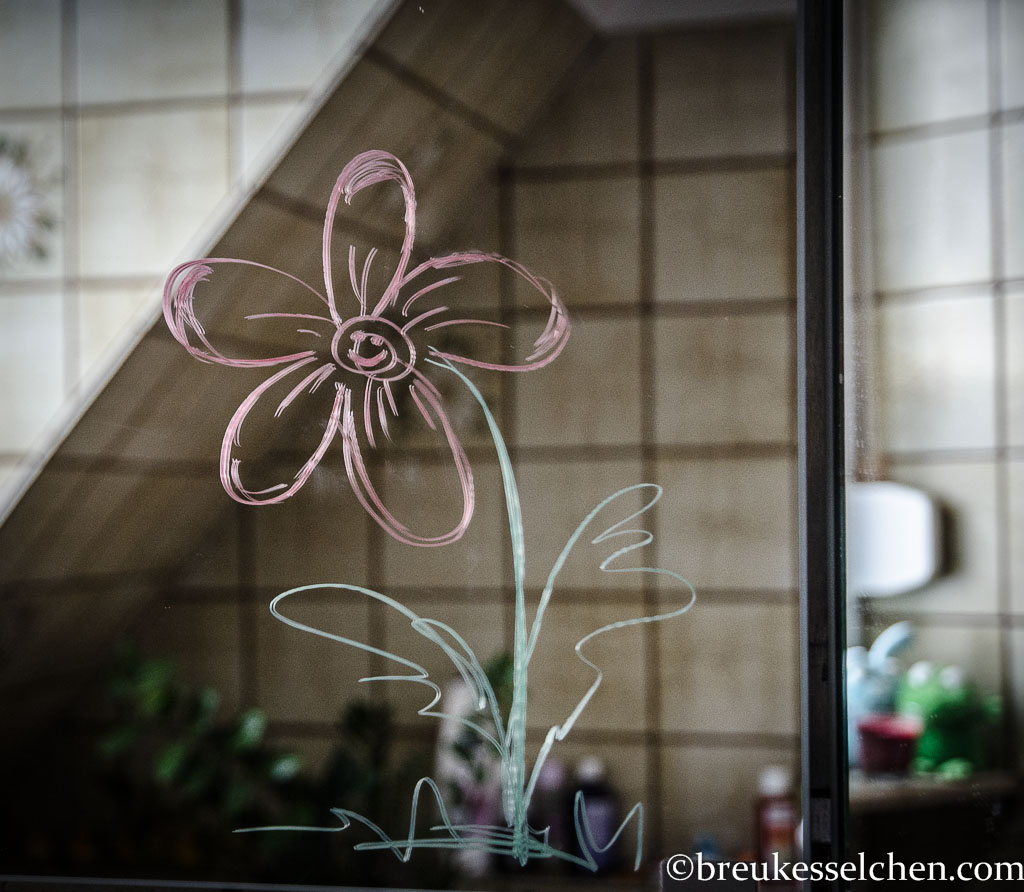 flowerpower_blume auf spiegel_