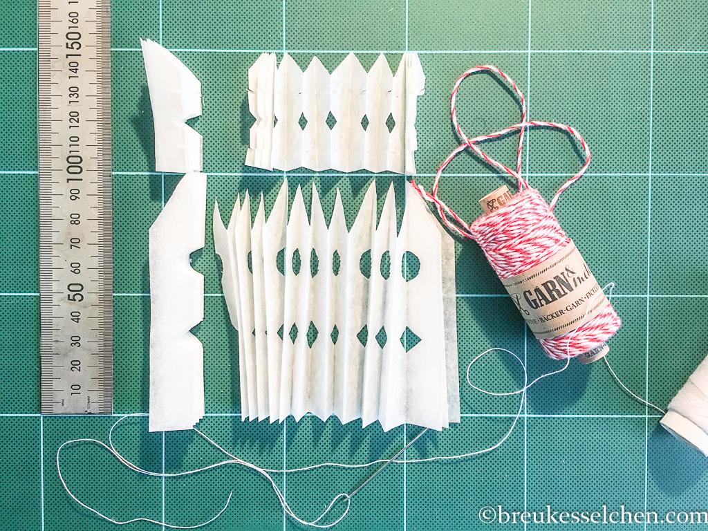 1. DIY Weihnachtsstern aus Backpapier (3)