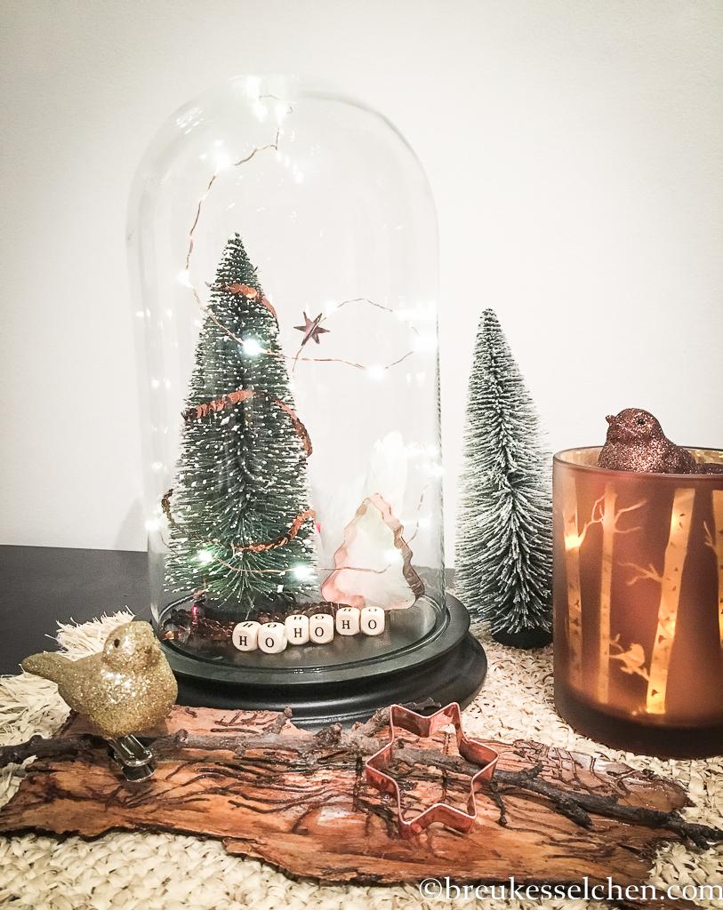 Diy Weihnachtsdeko.2 Von 24 Diy Einfache Weihnachtsdeko Mit Glasglocke Und Lichterkette
