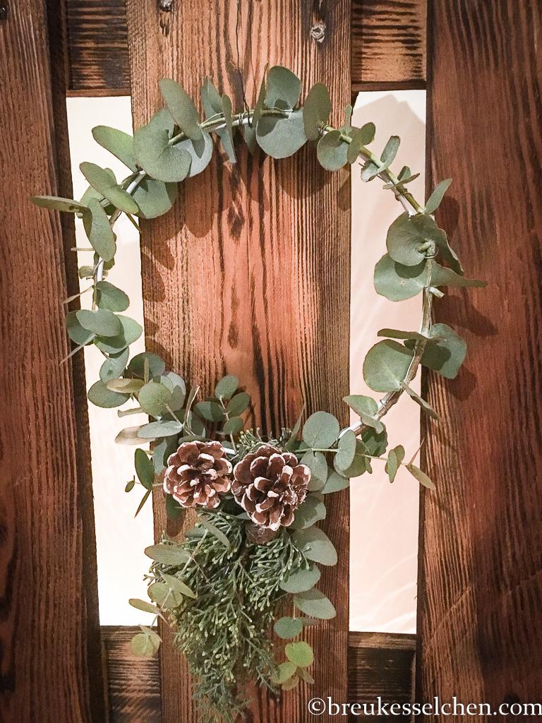 4. DIY Weihnachtliche Anhänger mit Eukalyptus (2)